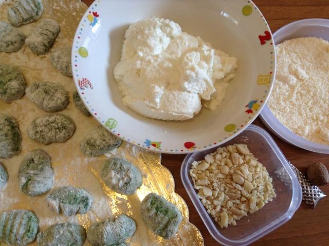 ingredienti gnocchi con crema di ricotta (640x478)