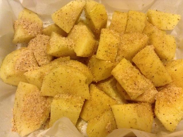 tagliare e condire le patate (640x478)