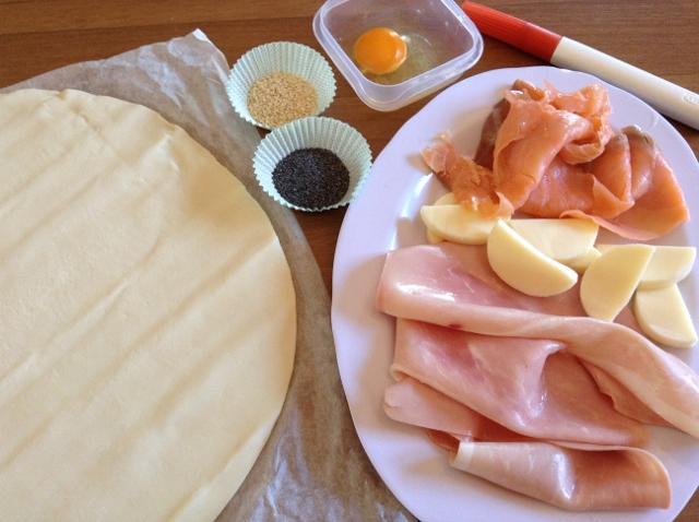 ingredienti cornetti di sfoglia salati