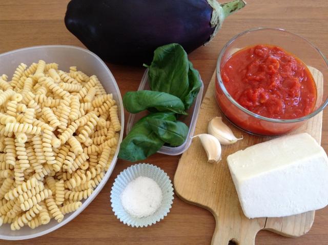 ingredienti pasta alla norma