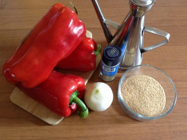 ingredienti pasta con la crema di peperoni