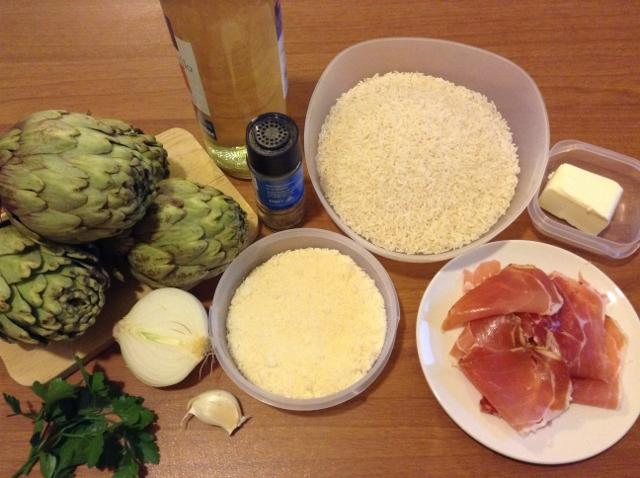 ingredienti risotto carciofi e speck