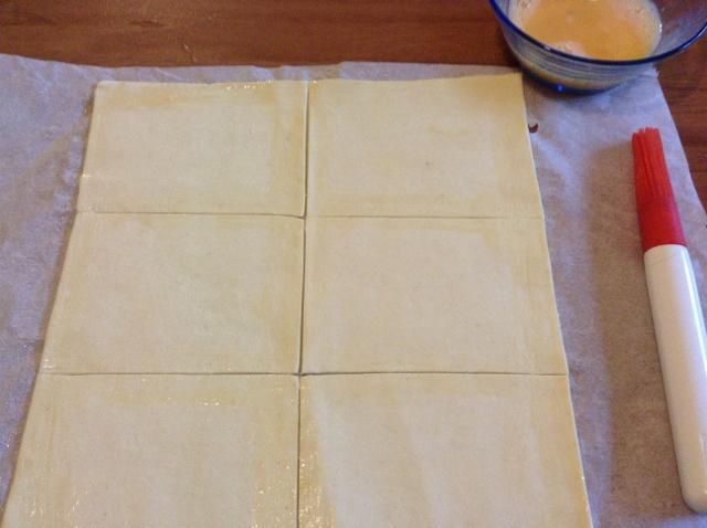 tagliare la sfoglia in quadrati