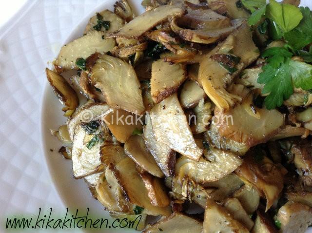 carciofi trifolati con aglio e prezzemolo