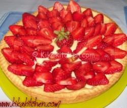 Crostata con crema e fragole fresche. Ricetta passo passo