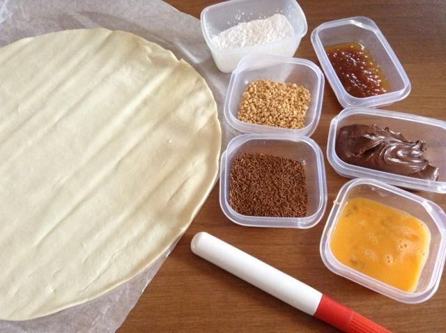 ingredienti ricetta cornetti con nutella