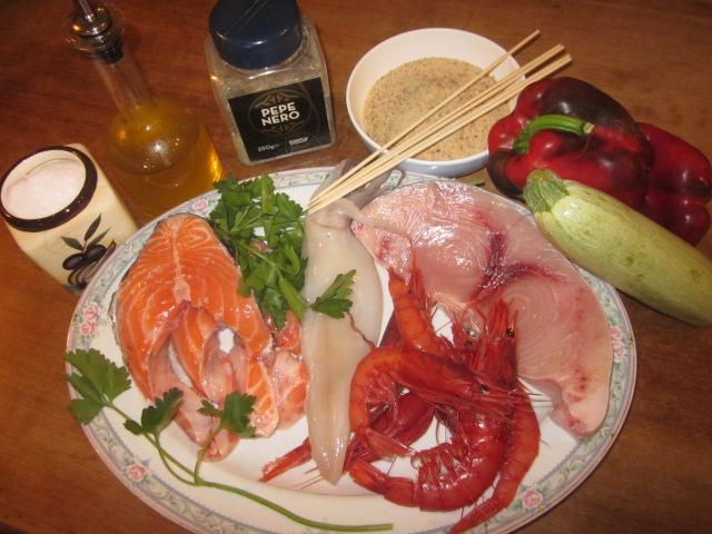 ingredienti spiedini di pesce1
