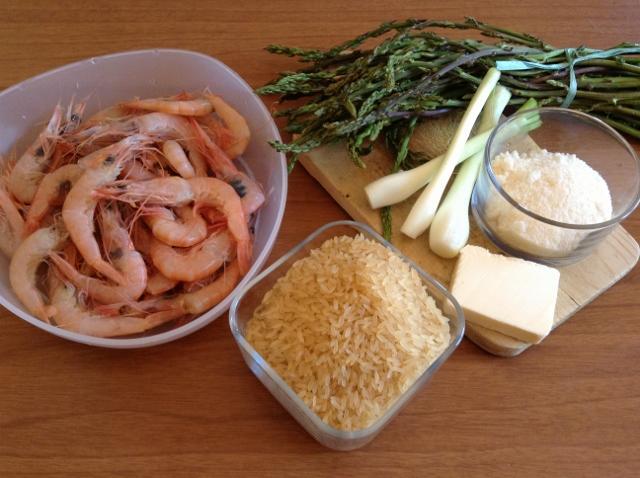 ingredienti risotto asparagi e gamberetti1