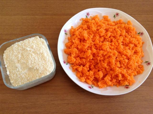 mandorle e carote tritate