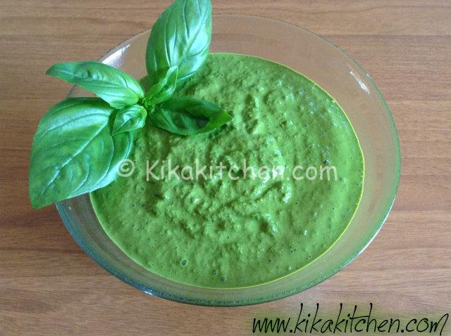 pesto verde brillante