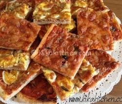pizza fatta in casa (soffice e fragrante)