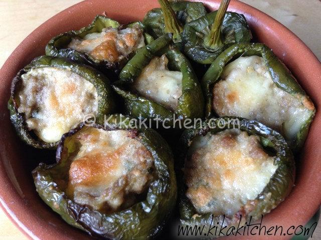 Peperoni ripieni di carne (al forno)