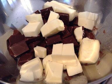 cioccolato burro tagliati a pezzetti