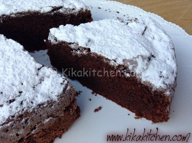 torta cioccolato con zucchero a velo