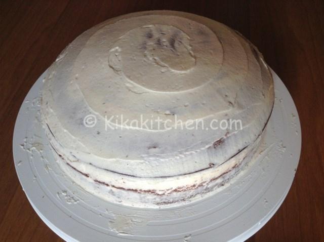 torta rivestita di crema di burro