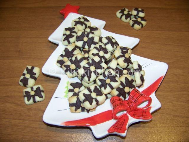 Biscotti pacchetto regalo. Biscotti natalizi di grande effetto