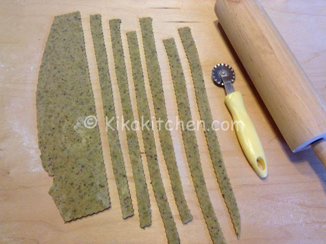 strisce per crostata al pisatcchio