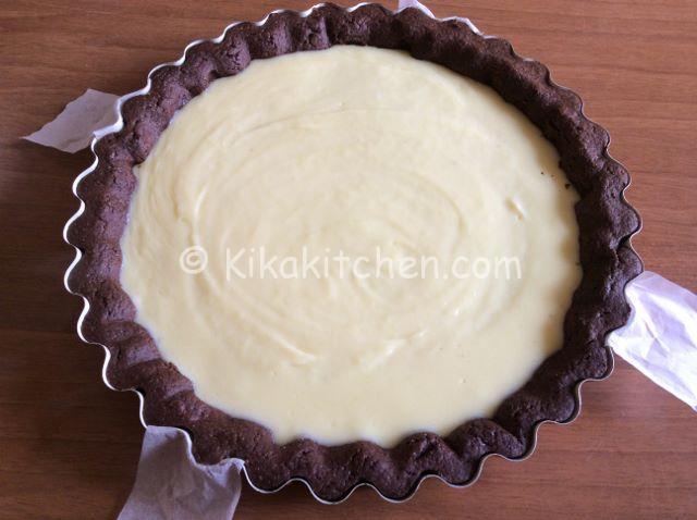 crostata con crema al cioccolato bianco