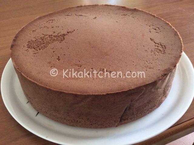 spesso Pan di Spagna al cioccolato alto. Ottimo da farcire. | Kikakitchen DB01