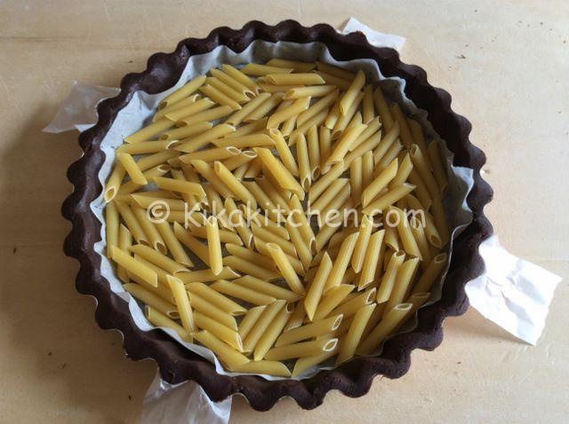 pasta sulla base della pasta frolla