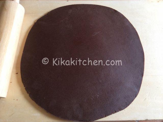 stendere la pasta frolla al cacao