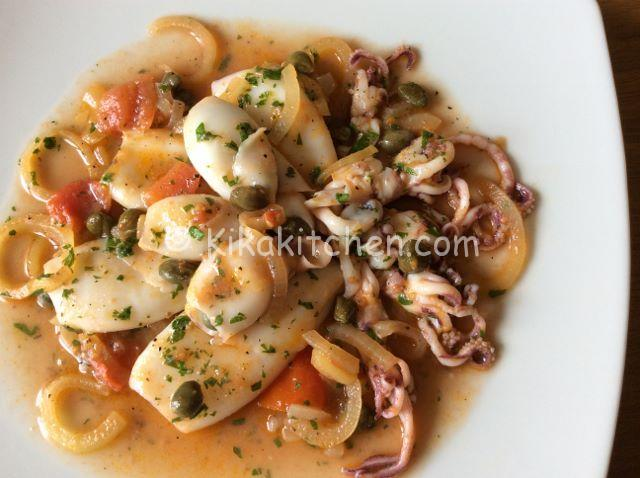 Calamari con pomodorini e capperi