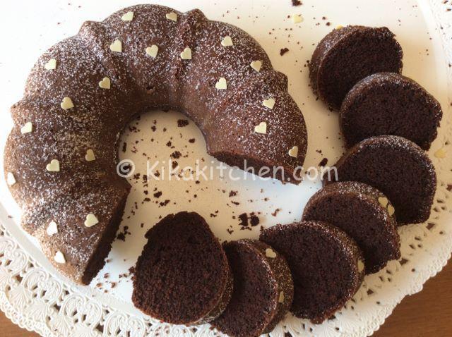 Ciambella al cioccolato soffice. Ricetta facile e veloce