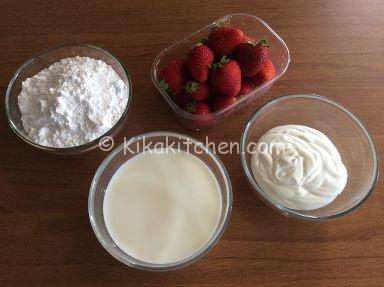 gelato alla fragola con o senza gelatiera
