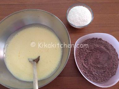 preparazione torta cocco e cioccolato