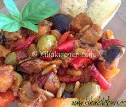 Caponata con peperoni e patate. Ricetta passo passo