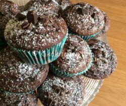 Muffin al cioccolato alti e soffici. Ricetta passo passo