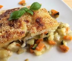 Patate con verdure gratinate in forno. Ricetta passo passo