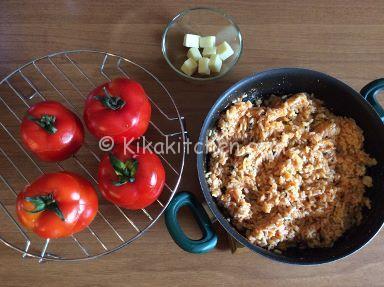 svuotare i pomodori