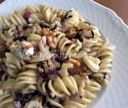 Pasta porri radicchio e gorgonzola. Ricetta facile