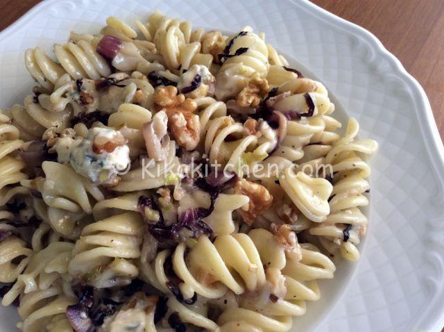 pasta porri radicchio e gorgonzola