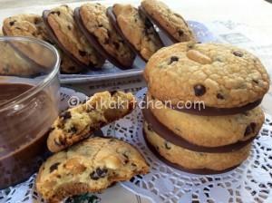 Cookies americani cioccolato e arachidi. Ricetta facile