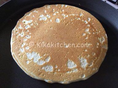 preparare pancakes