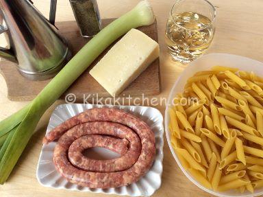 ingredienti pasta con salsiccia e porri