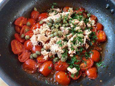 ricetta pasta con pomodorini e tonno al naturale