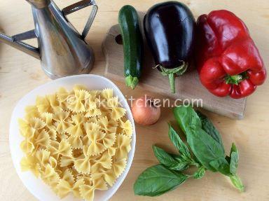 pasta con verdure saltate in padella