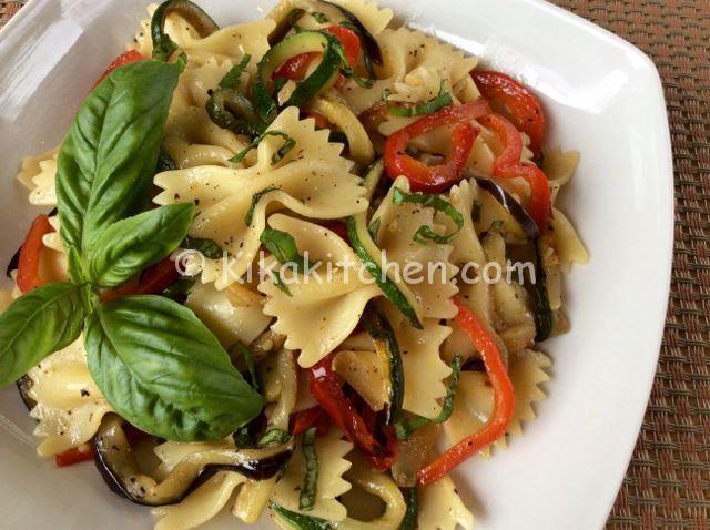 Pasta con verdure saltate in padella. Ricetta facile