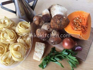 ingredienti pasta con zucca e porcini
