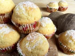 Muffin al cocco alti e soffici con o senza burro