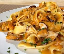Pasta con zucca e funghi porcini. Ricetta passo passo