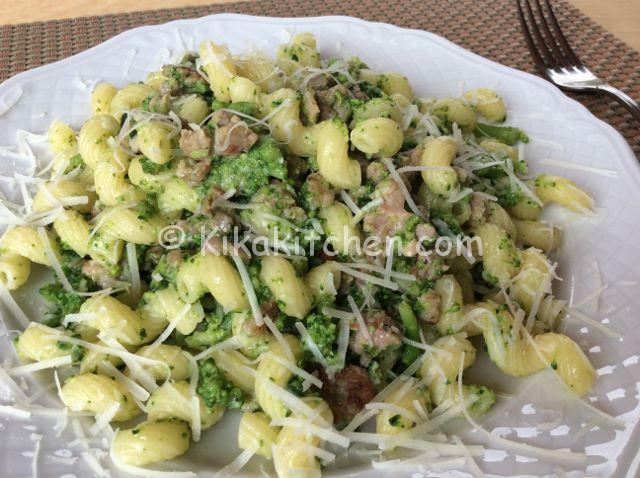 Pasta con broccoli e salsiccia ricetta passo passo for Primi piatti veloci da cucinare