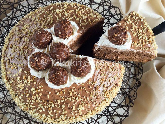 Torta ferrero rocher con crema alla nutella. Ricetta facile.