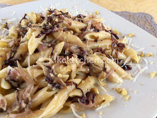 Pasta con radicchio e stracchino primo piatto veloce for Ricette veloci primi piatti