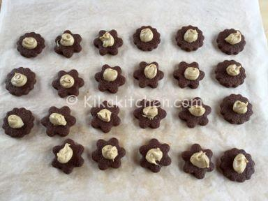 biscotti occhio di bue al cacao