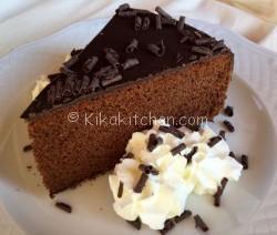 Torta al cioccolato morbida e soffice