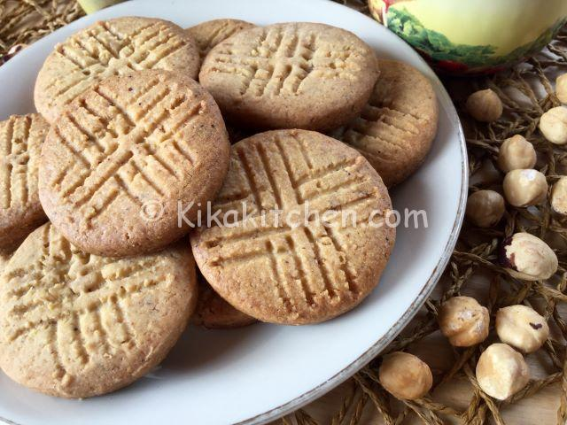 biscotti alle nocciole semplici e veloci